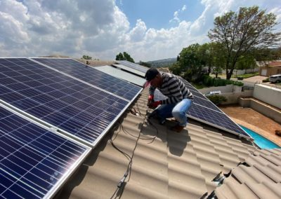 home-installations-solar-panel-off-the-grid