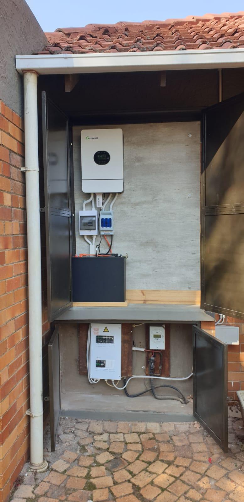 our-installation-3-UPS-system-5-kw-Growatt-Inverter-solar-production