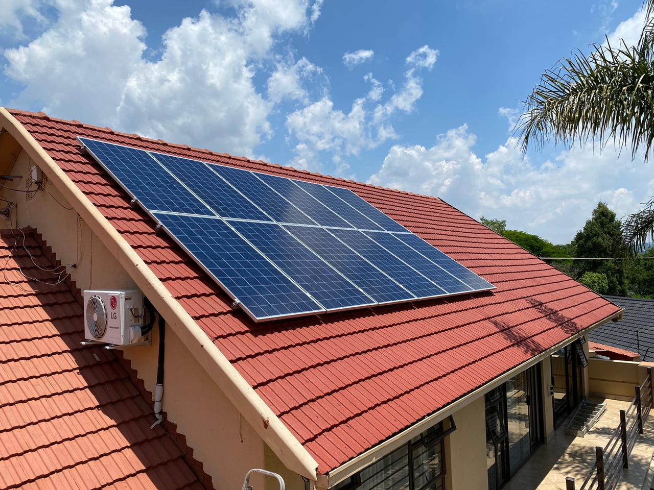 our-installations-2-panels-3-5-kWh-Pylontech-battery-pack